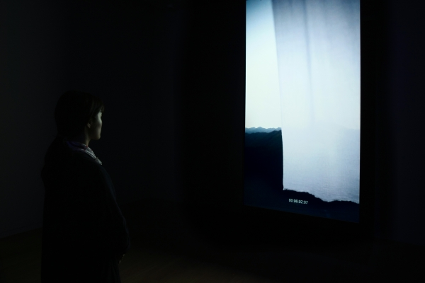 육근병, 'Nothing' Window and Curtain, Free size, Beam projector + Dvicx player + Art content by artist, Running Time 12'(about), 2012